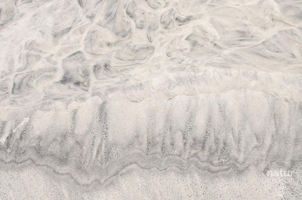 Sandkunst gestaltet von der Natur auf den Lofoten