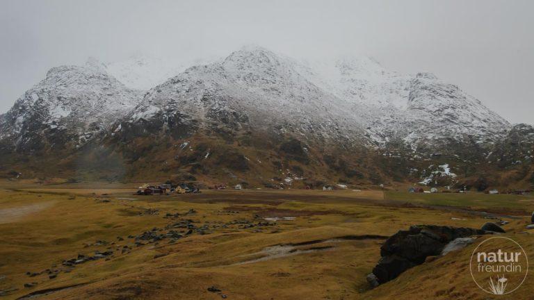 Lofoten - ein bisschen Schnee in weiter Ferne