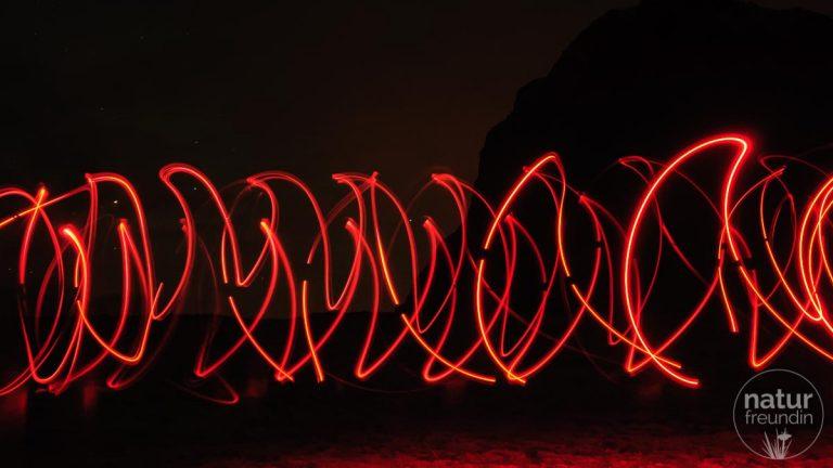 Lichtmalerei auf den Lofoten - warten auf die Nordlichter