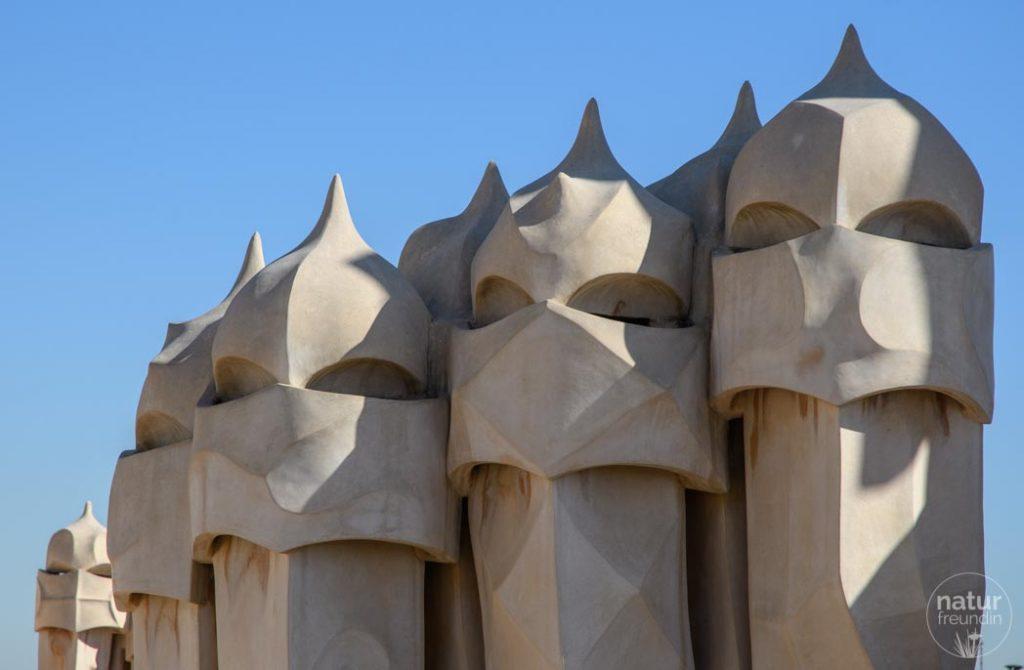 Schornsteine am Dach La Pedrera