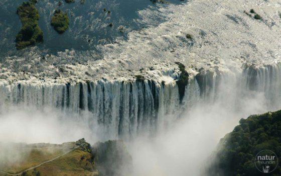 Kurztrip nach Zimbabwe: Viktoria Fälle